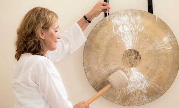 Gong meditáció Szilassy Katica